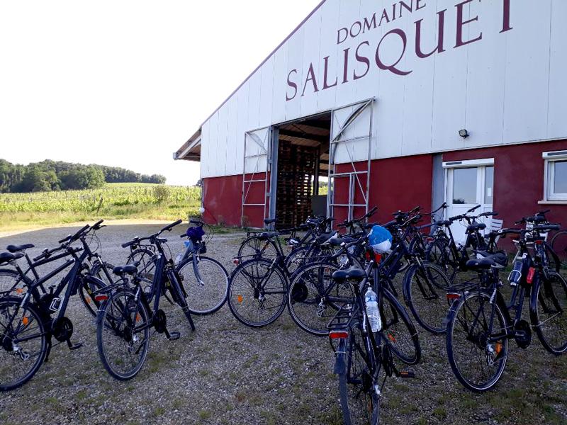 visite de cyclistes à Salisquet